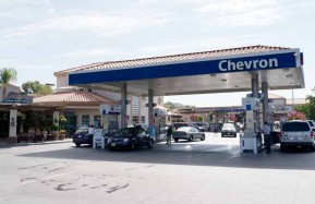 Valencia-Auto-Spa-Chevron-Gas-2